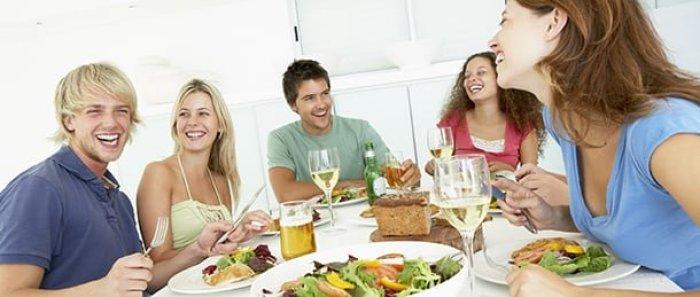 como-servir-a-mesa-de-jantar-dicas