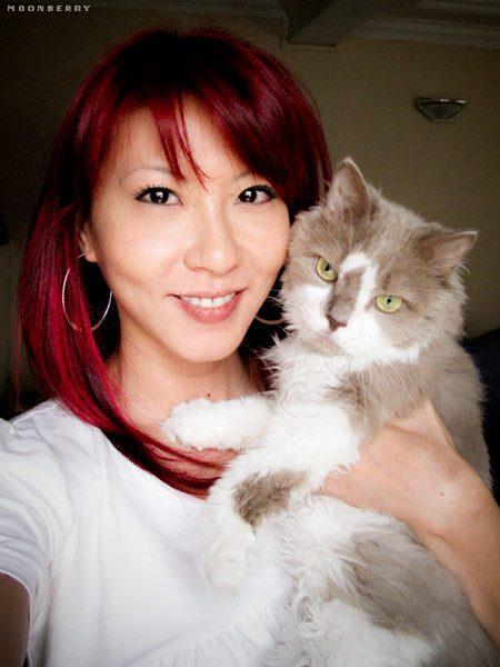 Singapore's Hottest Celebrity Blogger