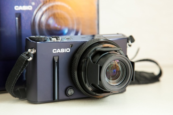 Casio Exilim Ex-10 Review by The Moonberry Blog