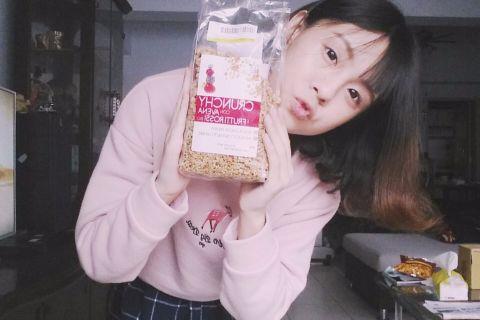 【 麥片女孩 hanna 】懶人也可以又美又健康,一起吃義大利紅梅燕麥片吧!