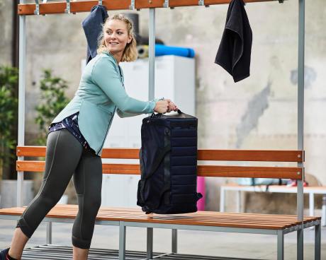 到健身房才換裝的運動者,建議你每次運動時使用 40 L 以上的健身包!