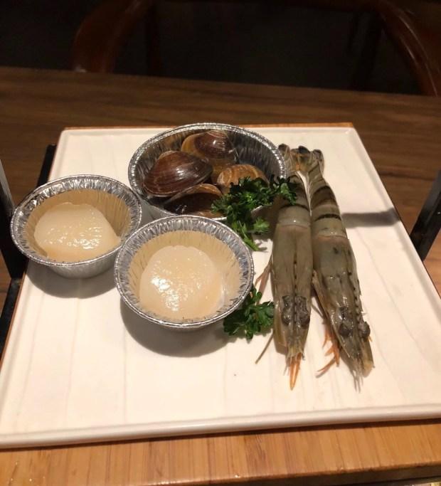 茶六燒肉堂朝富店 海鮮拼盤