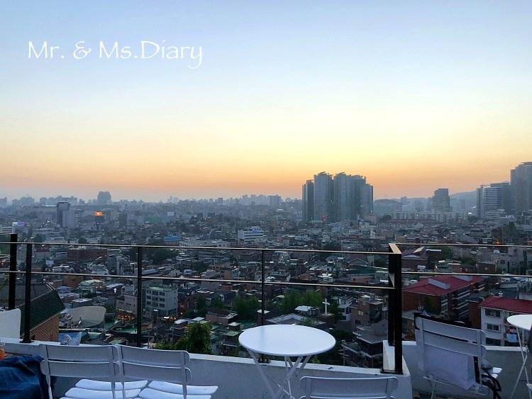 四天三夜首爾行程規劃,穿著美麗韓服逛昌德宮後苑,到新村吃超有名站著吃烤肉! 9