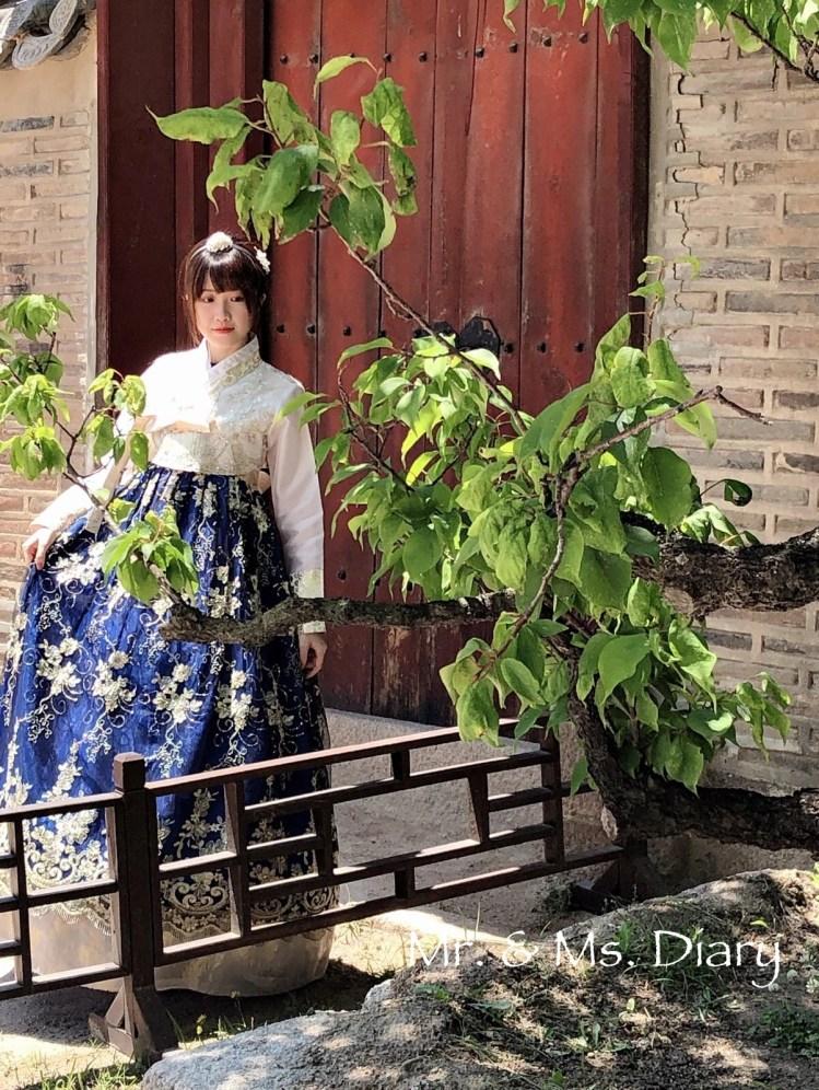 四天三夜首爾行程規劃,穿著美麗韓服逛昌德宮後苑,到新村吃超有名站著吃烤肉! 23
