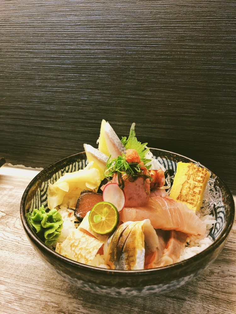 台中逢甲必吃日本料理!稻鮨板前吞食,僅有十一席吧台座位,晚來就要排隊QQ