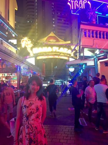 バンコクの夜('ω')