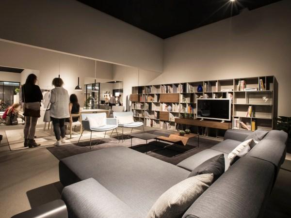 Guerra Siglo XXI en la venta de muebles y artículos para el hogar.