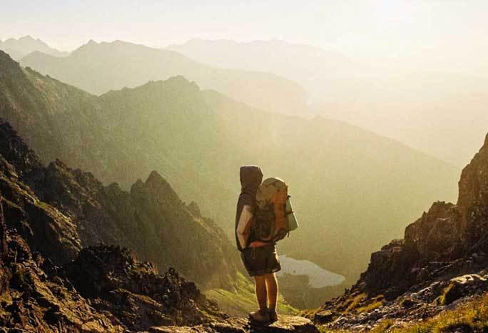 Pesquisas afirmam que viajar faz mais feliz do que casar