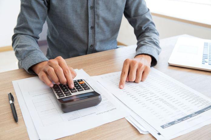 Como se planejar para pagar o 13º salário