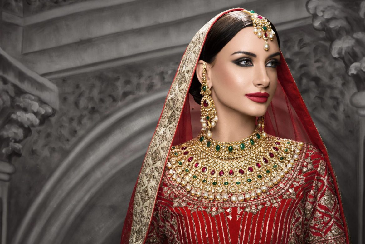 743982a14b How to Buy the Bridal Jewellery for Your Wedding. Bridal Jewellery Guide. indian  wedding jewellery