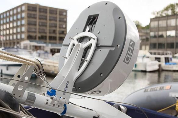 mv Archimedes mast down for Garmin 24xHD install 3