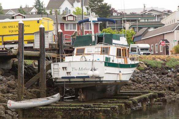 mv Archimedes low tide bottom work in Poulsbo