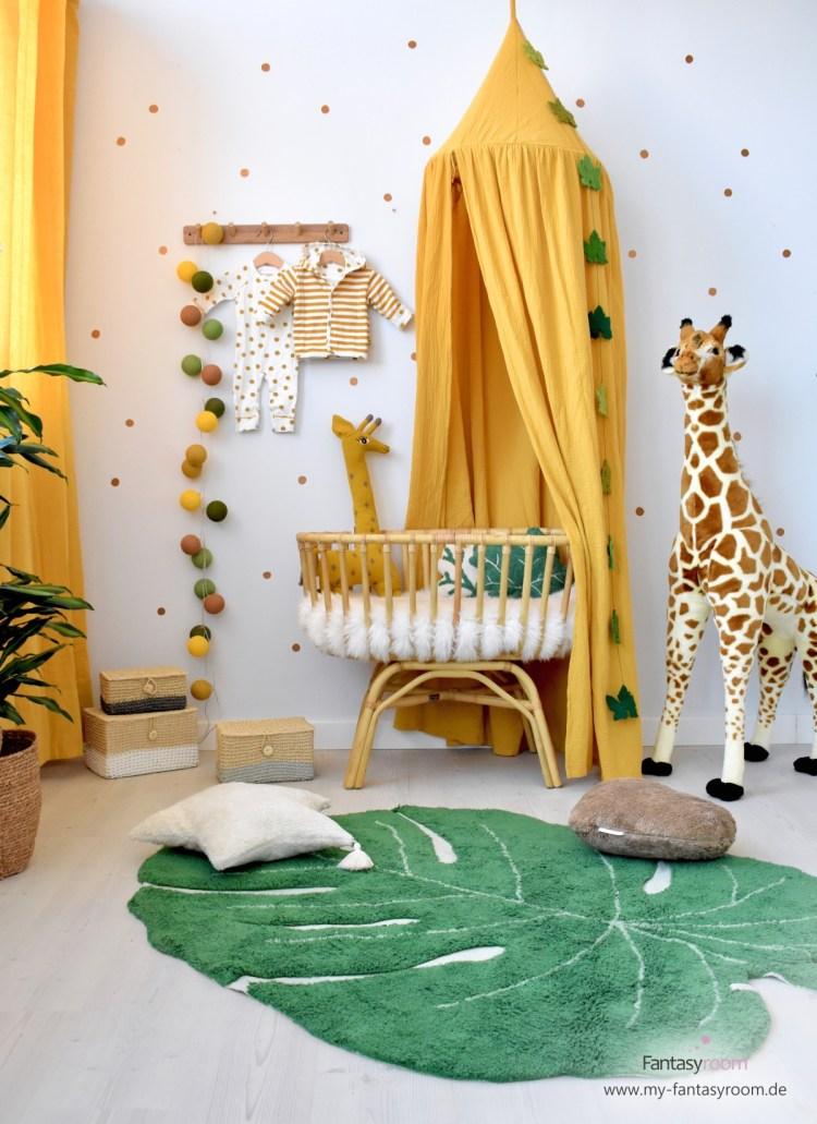 Babyzimmer im Safari-Look mit Senfgelb und Blattgrün