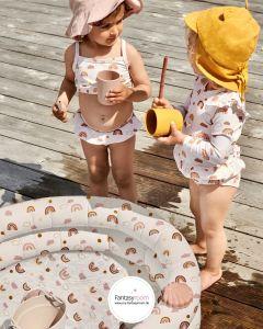 Draußen Spielen im Planschbecken von Liewood