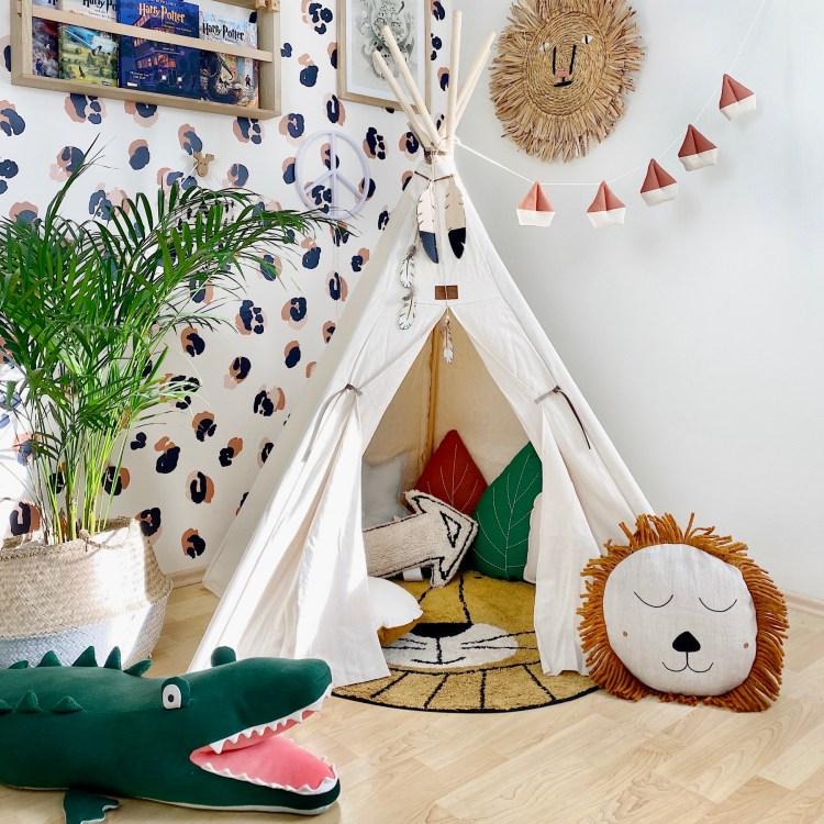 Fantasyroom Blog: Die schönsten Instagram Kinderzimmer - Spielecke mit Tipi und Kuscheltieren