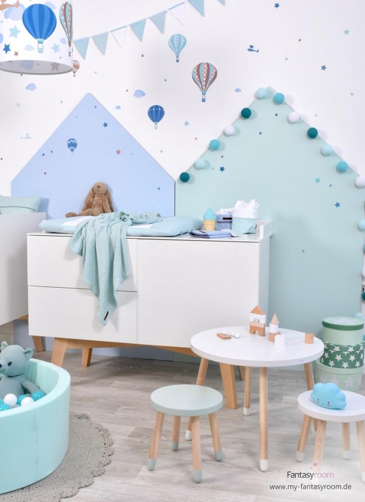 Extra breite Wickelkommode 'Sixties' von Kidsmill im Heißluftballons Kinderzimmer von Dinki Balloon