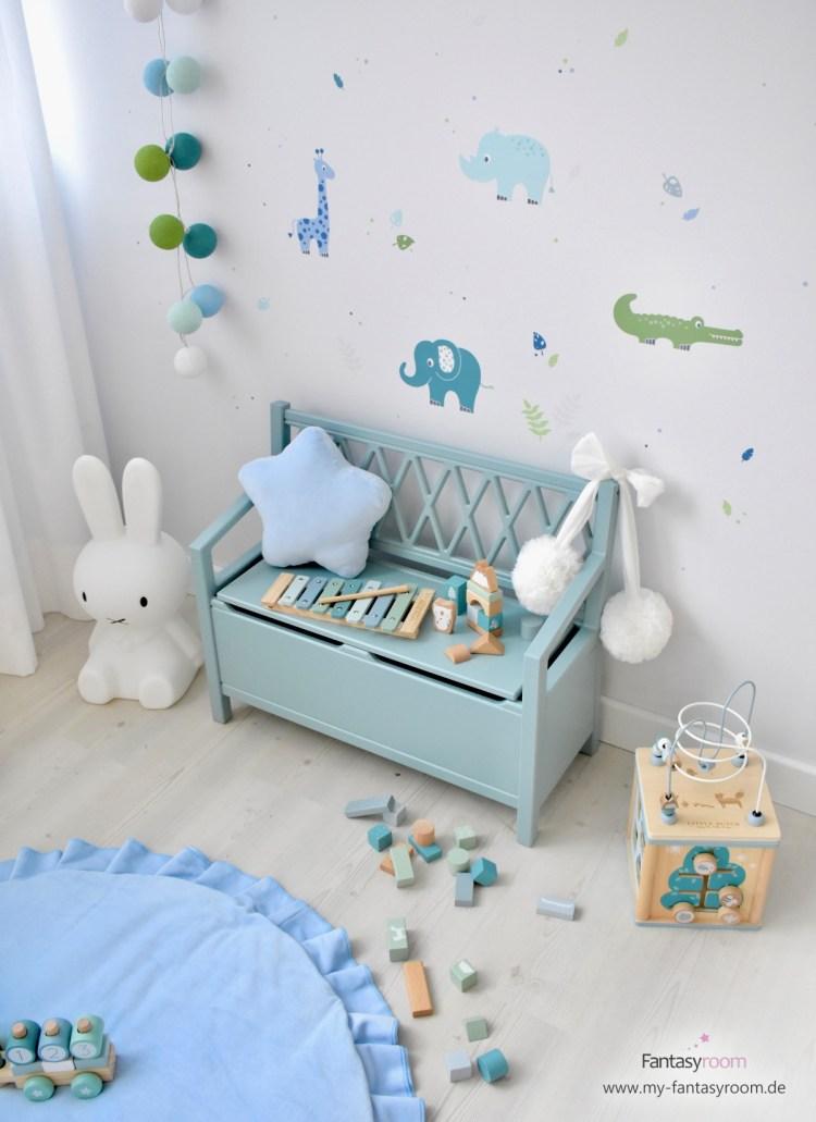 Dinki Balloon Kinderzimmer mit 'Safari' Wandstickern in Blau, Grün & Jade