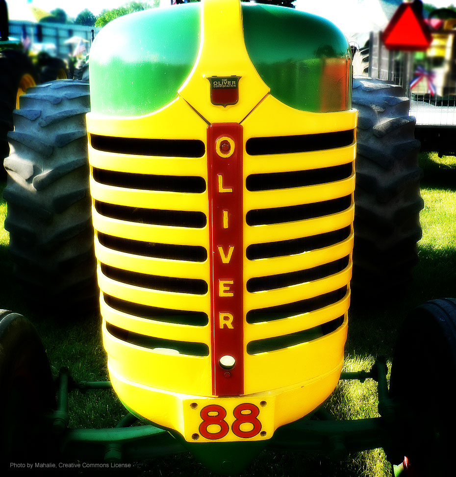 Oliver Tractor by mahalie