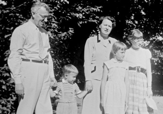 Inge and Britta Bergenek with their 3 children in the early 1950s