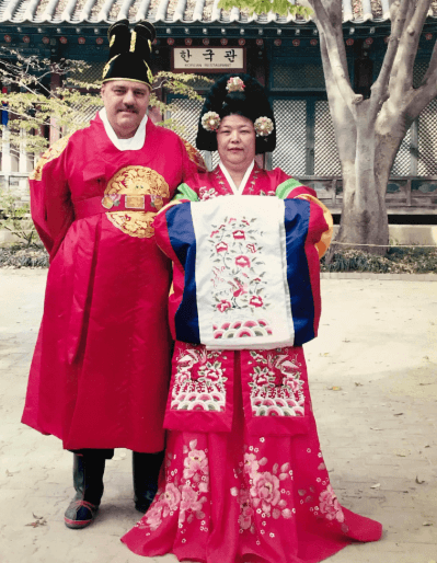 Leonard and Chong visiting Korea a few years before Leonard's death
