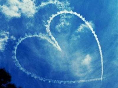 coeur dessiné dans le ciel