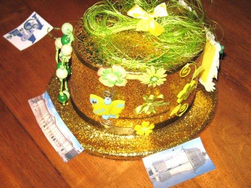 Chapeau de catherinettes sur le thème de paillettes