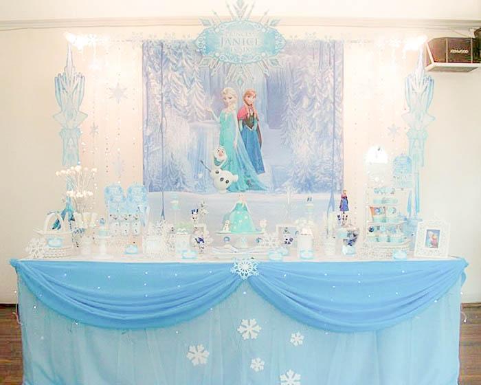 Décoration féérique pour un anniversaire Reine des Neiges