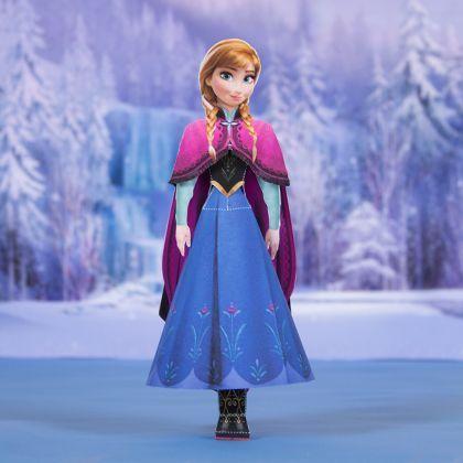 Poupée en papier d'Anna de la reine des neiges comme atelier d'animation d'un anniversaire reine des neiges