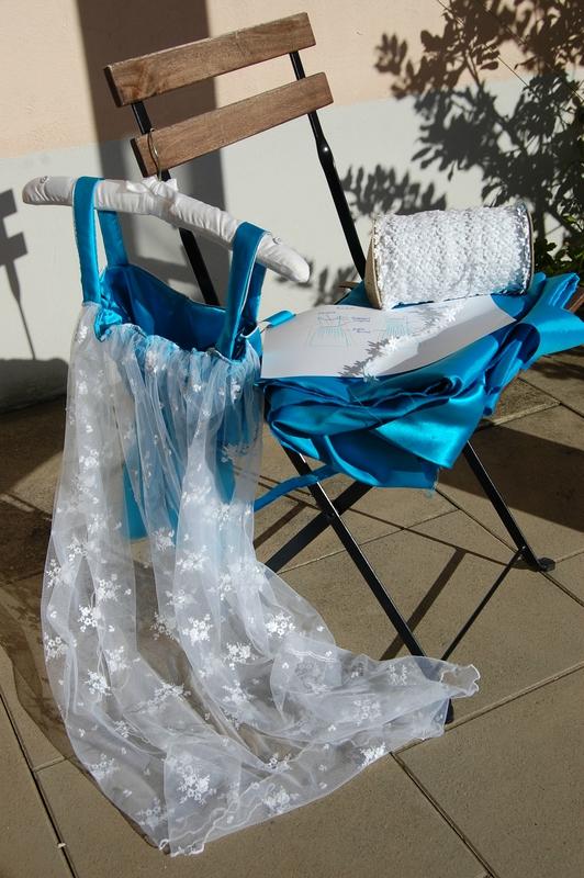 Robe Reine des Neiges confectionnée sur mesure par Sur un air de Mi - étapes