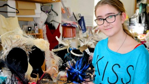 Sophie Chavigneau gagne le concours du plus beau chapeau de catherinette de l'année 2018
