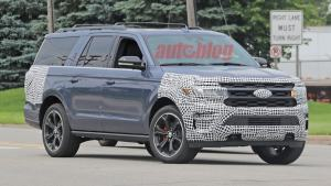 2022 Ford Expedition prototype in spy photos might be an ST