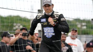 Castroneves to chase 5th Indy 500 with MSR
