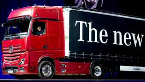 Daimler to keep 35% stake as truck division goes solo