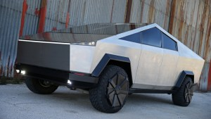 Tesla Cybertruck almost surely delayed along with Semi