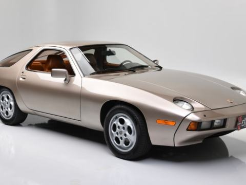 Tom Cruise's Porsche 928 in 'Risky Business' sold for nearly $2 million