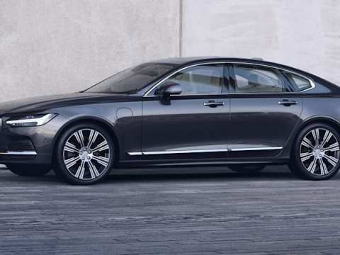Volvo Recharge models get more power and electric range