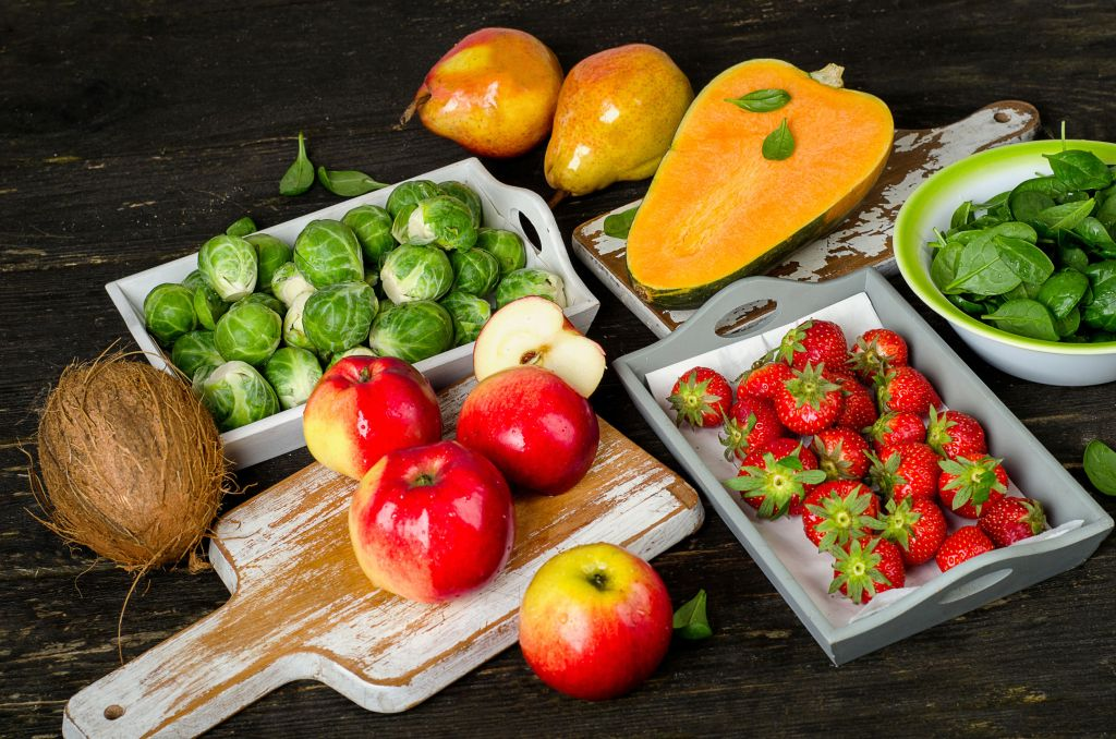 high fiber colorful fruits and vegetables can help cut down your risk of developing cancer