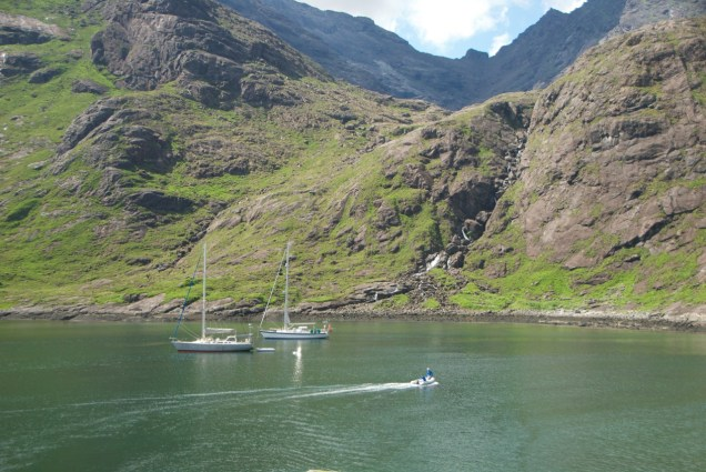 Lochs in Scotland: Regina Yachting