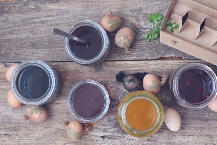 Ostereier färben mit Naturmaterialien