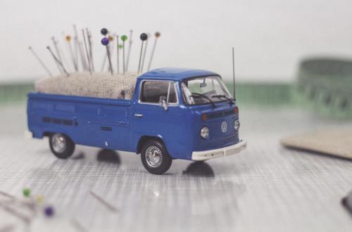 DIY Vintage Transporter Pin Cushion // Nadelkissen aus Vintage Transporter