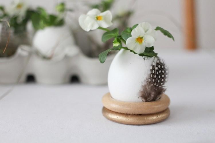 DIY Eierbecher aus Holzringen - via naehmarie