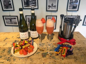 How to make a Rossini with A & R Prosecco 2018