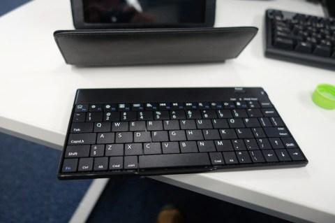 サンワダイレクト iPad mini Bluetoothキーボード付きケース 004