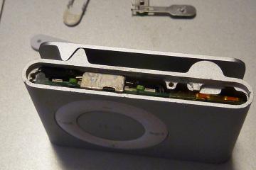 Iphone_shuffle_repair_07