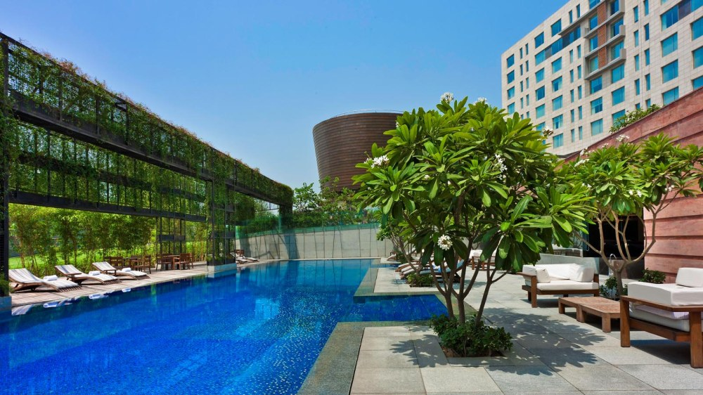 Sunday Brunch + Unlimited Drinks + Access to the Pool! Westin Gurgaon just made our plan for this Sunday!