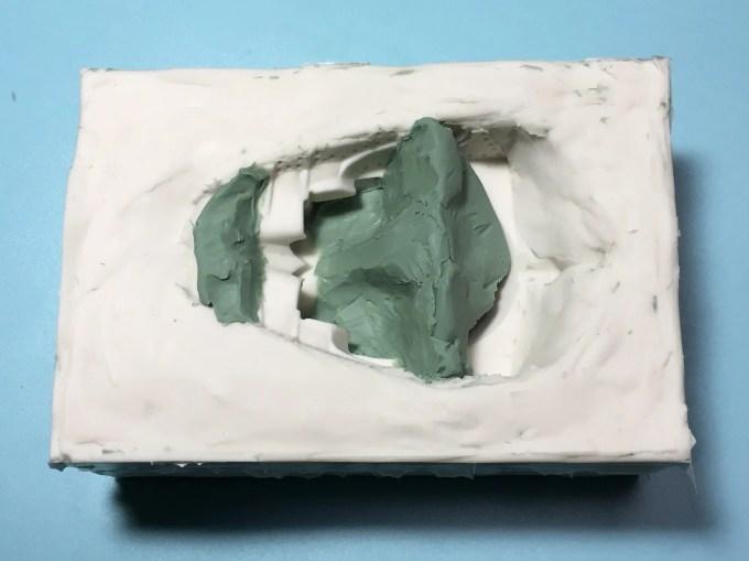 粘土でガイドを作る