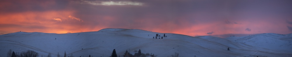 Sunset behind the hills in Helena, MT | Photo by Nelson Guda © 2019
