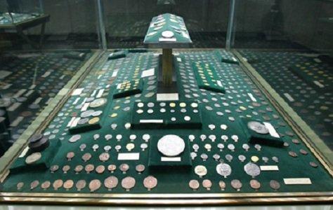 پول و اسکناس - موزه در تهران