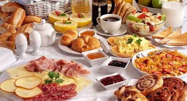 صبحانه در کافه تهران سابق