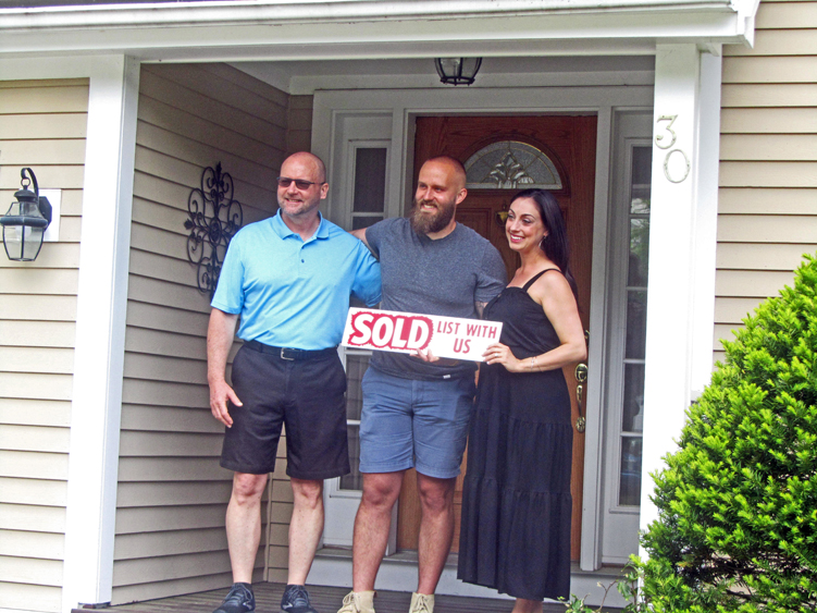 Happy homebuyers in Exeter NH